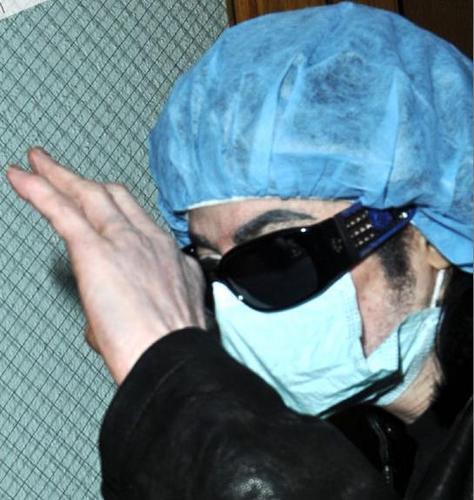 マーたんおひげ♡15_1michael-visits-his-doctor-in-beverly-hills(392)-m-3.jpg