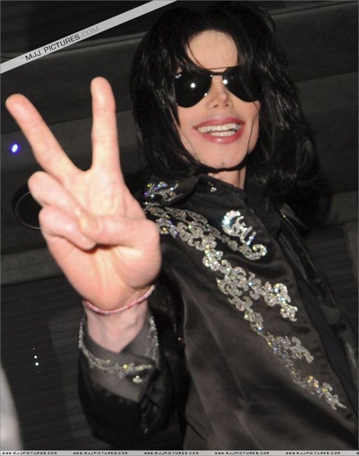 michael-jackson-revine-in-forta-la-final-de-cariera(378)-m-19.jpg